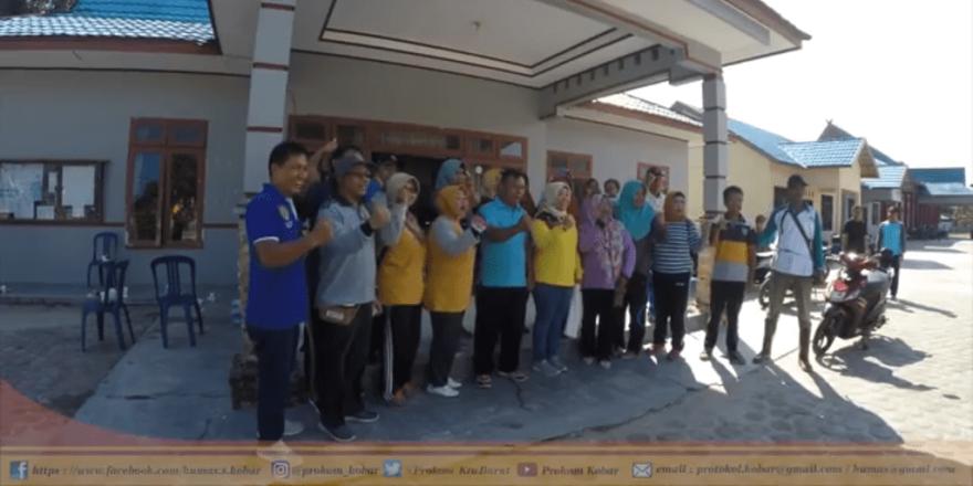 Giat Jum'at Bersih Desa Natai Raya Bersama Bupati Kabupaten Kotawaringin Barat